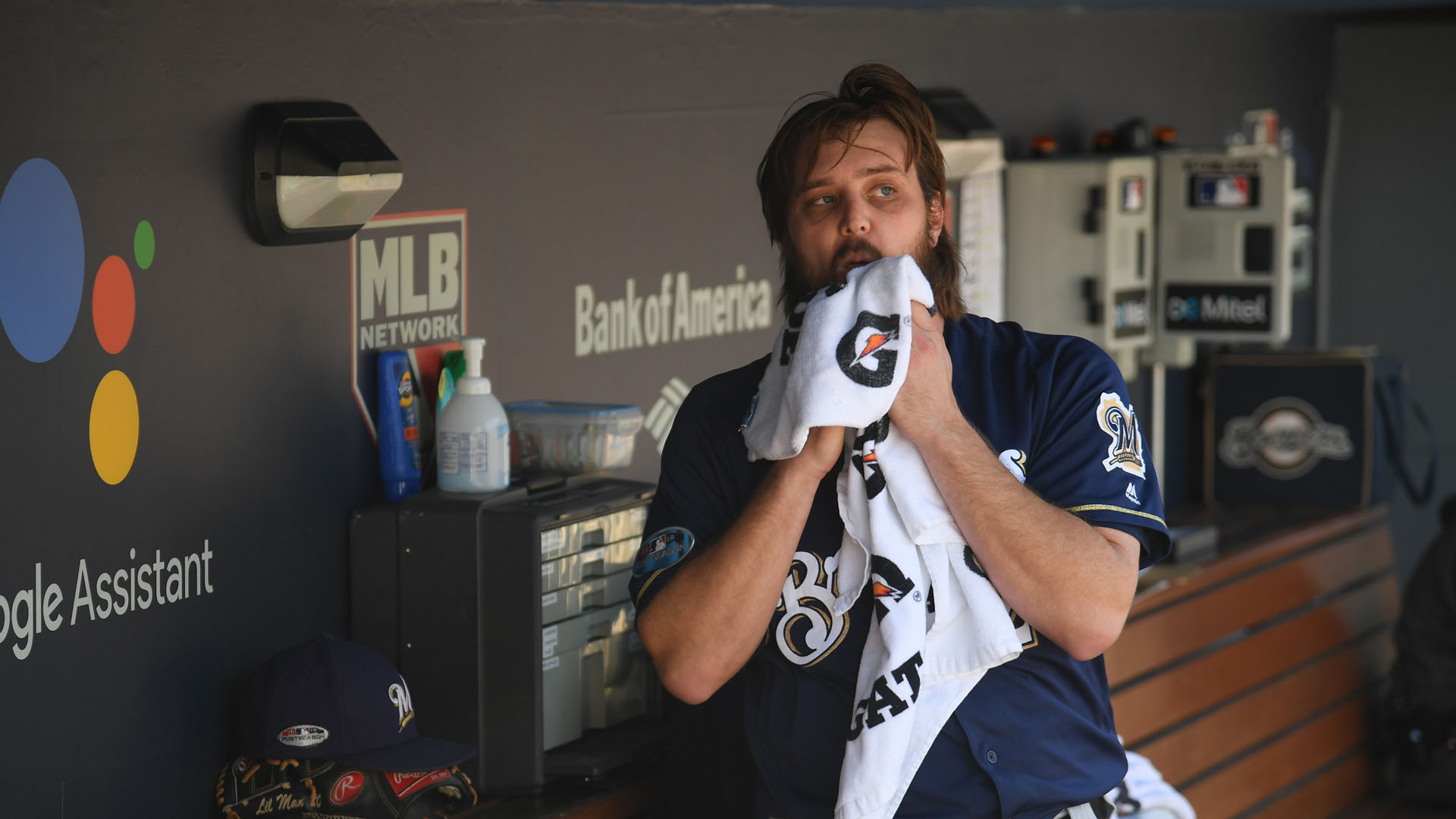 Brewers pull starter Miley after one batter