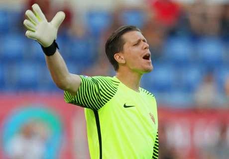 Szczesny happy to be 'fought over'