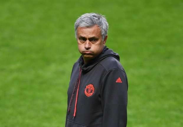 مورينيو غير سعيد بسوق انتقالات مانشستر يونايتد -