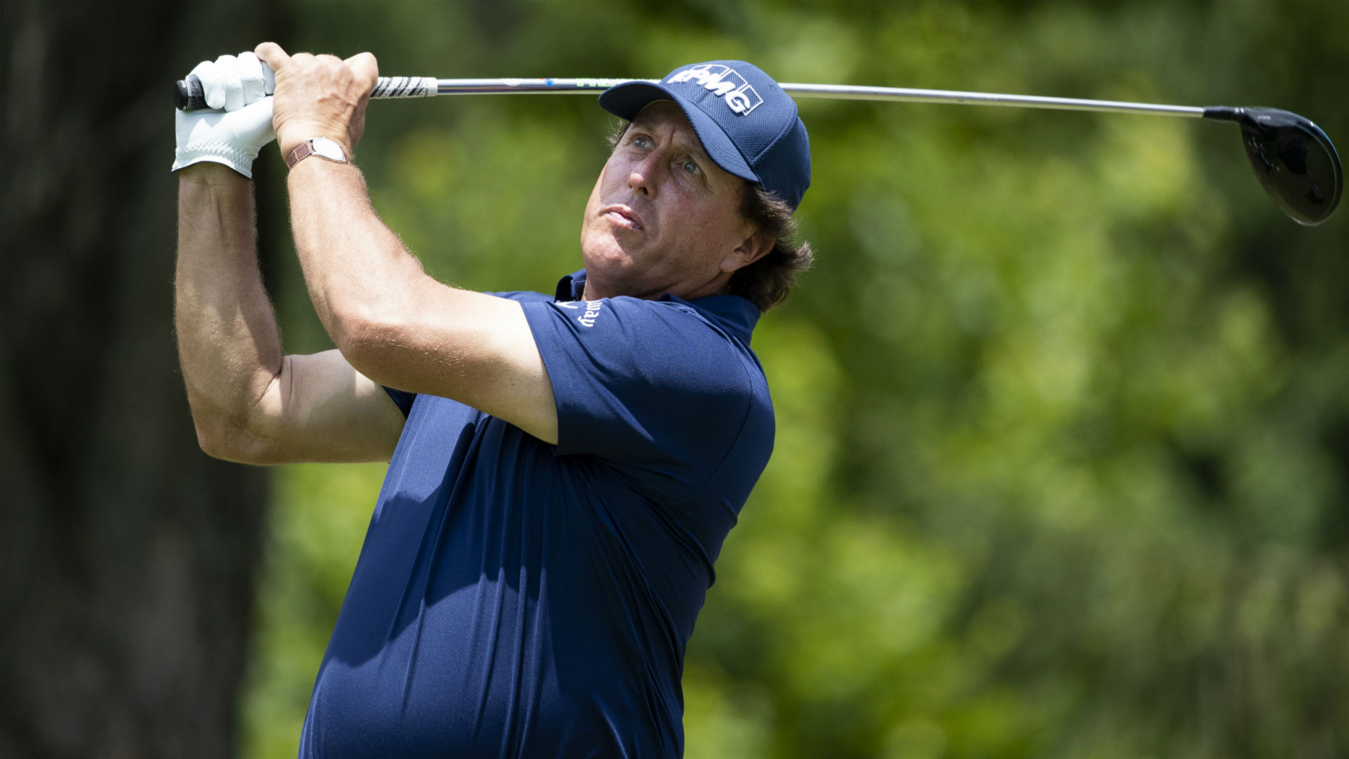 WATCH: Phil Mickelson picks up another bizarre penalty