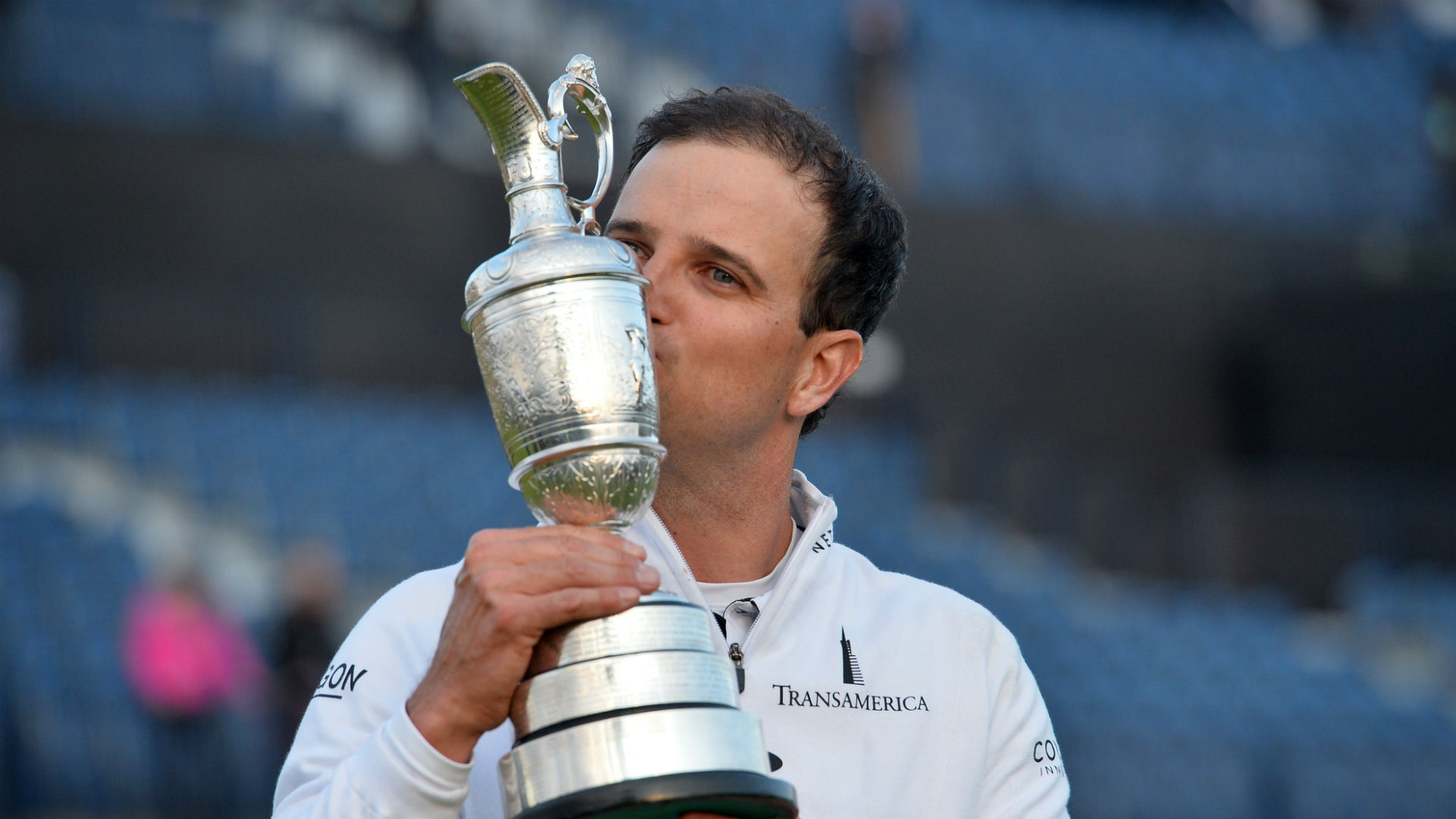 Defending Open champ Zach Johnson turns in claret jug