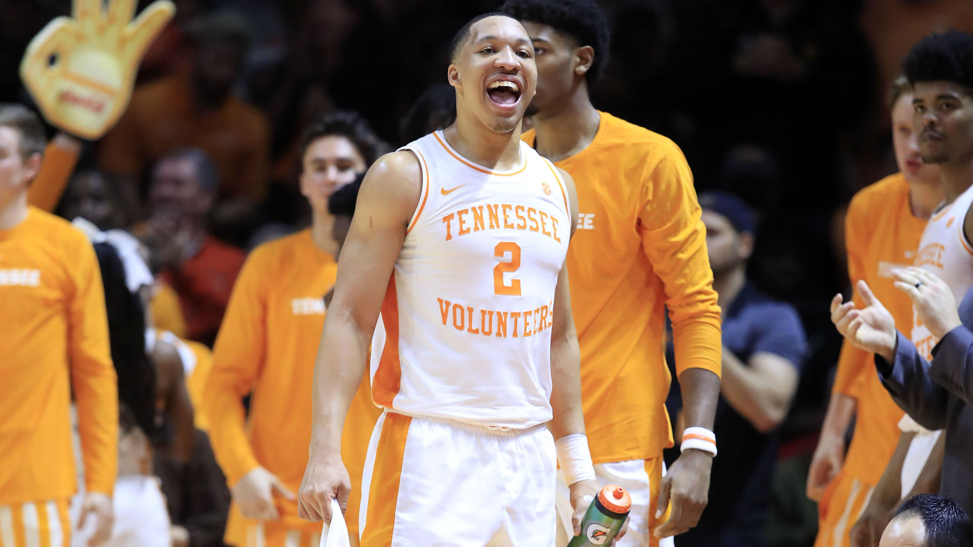 Bone helps No. 7 Tennessee get revenge on No. 4 Kentucky