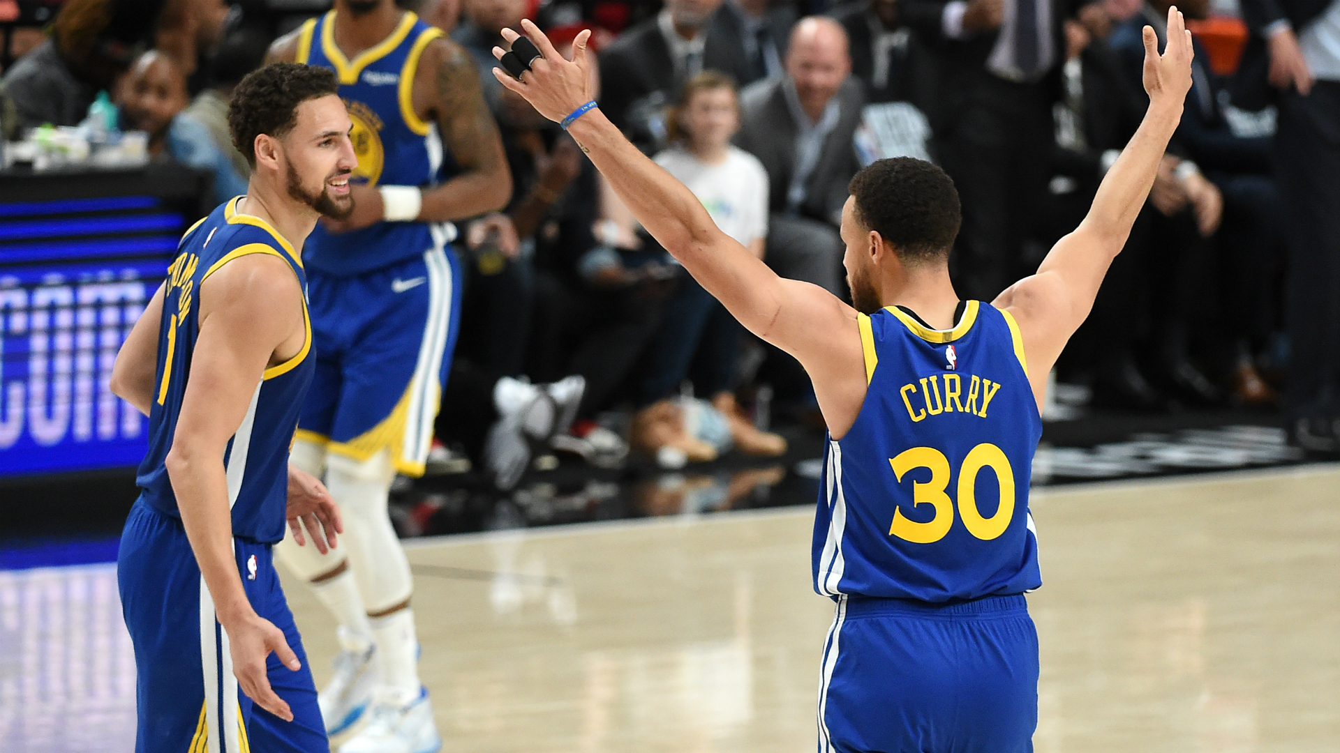 Stephen Curry celebrates as the Golden State Warriors advance to the NBA Finals