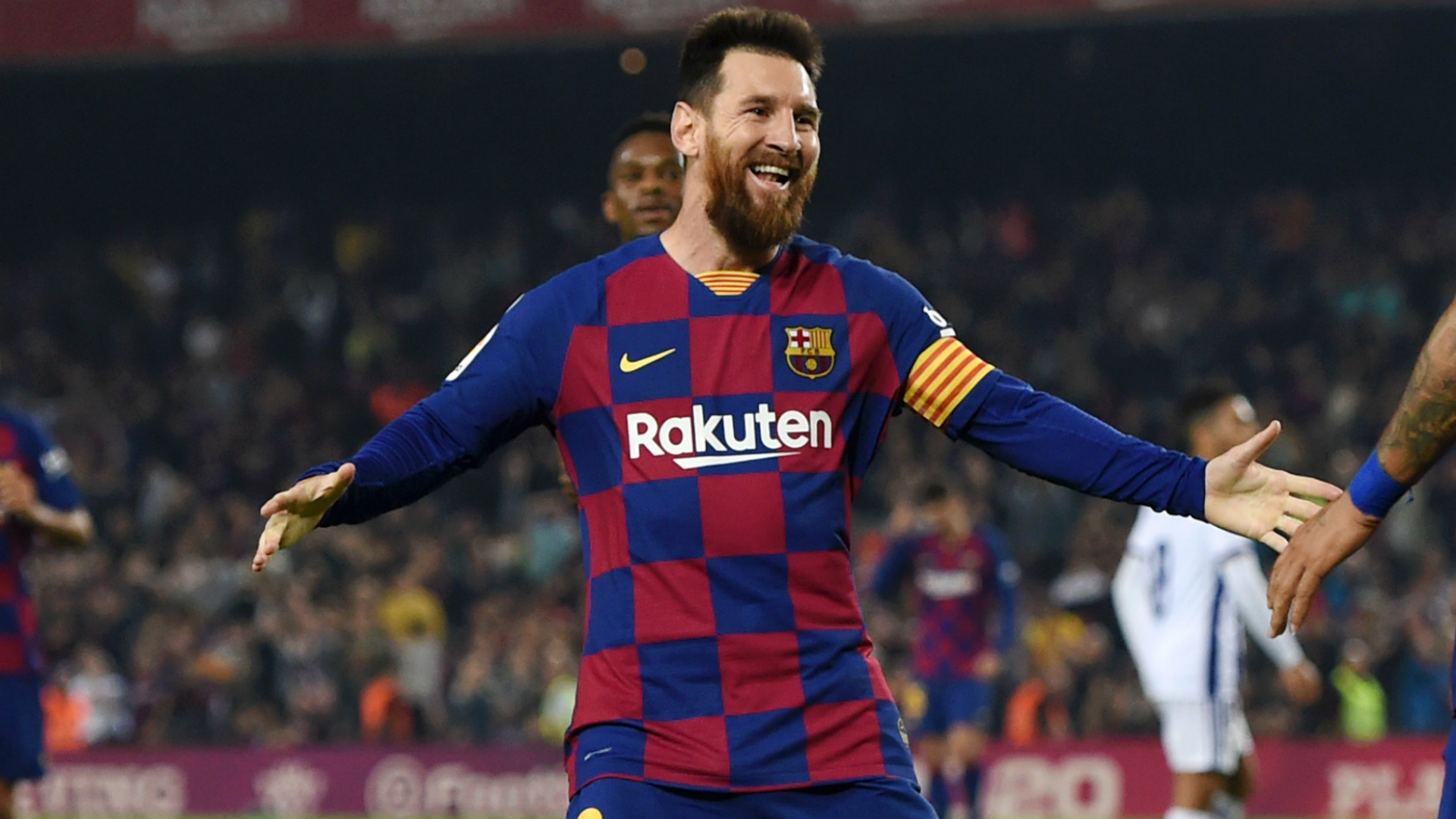 'Messi is from another planet' - Vidal praises Barcelona star's dominance