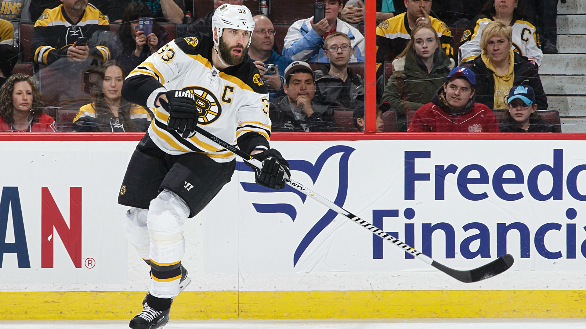 Boston Bruins sign Zdeno Chara to one-year contract extension