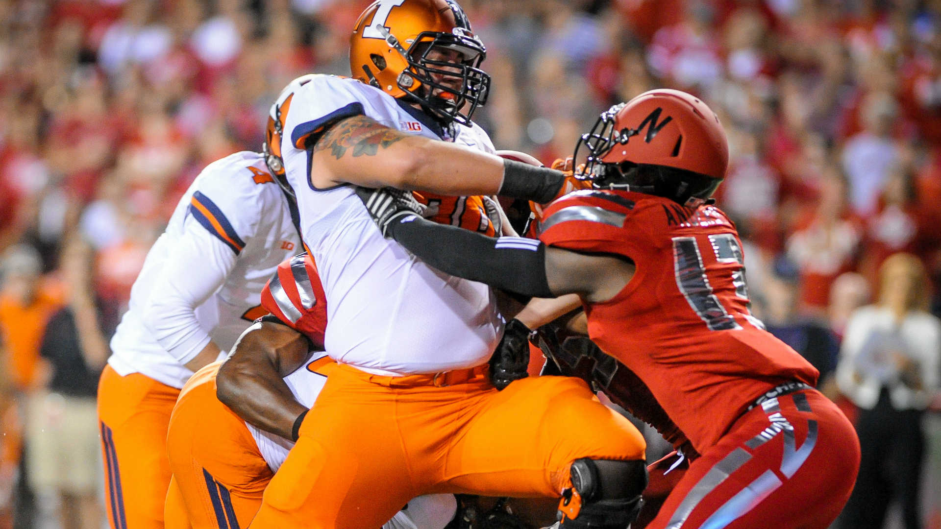 Illinois pays $250K to settle ex-lineman's injury claims