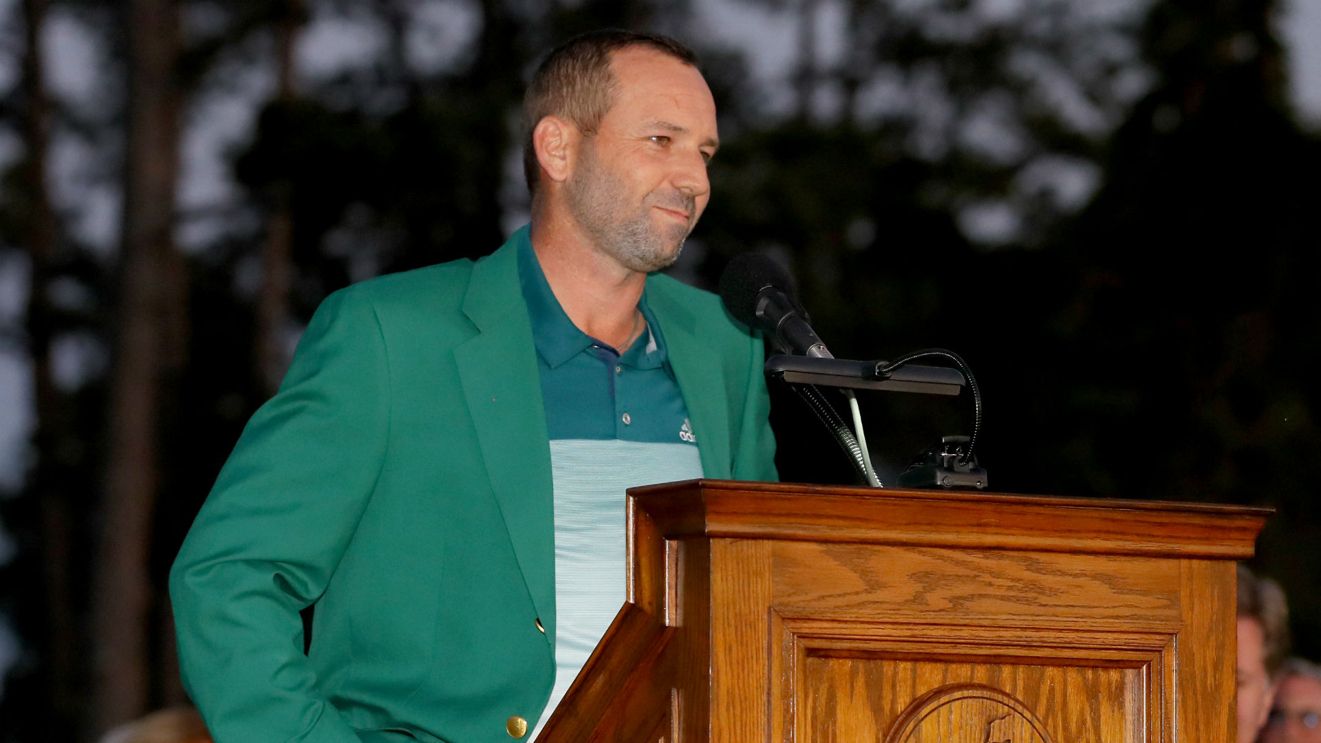 Sergio Garcia injures shoulder while attacking bush with golf club