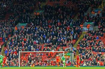 Carragher proud of Liverpool ticket-price U-turn
