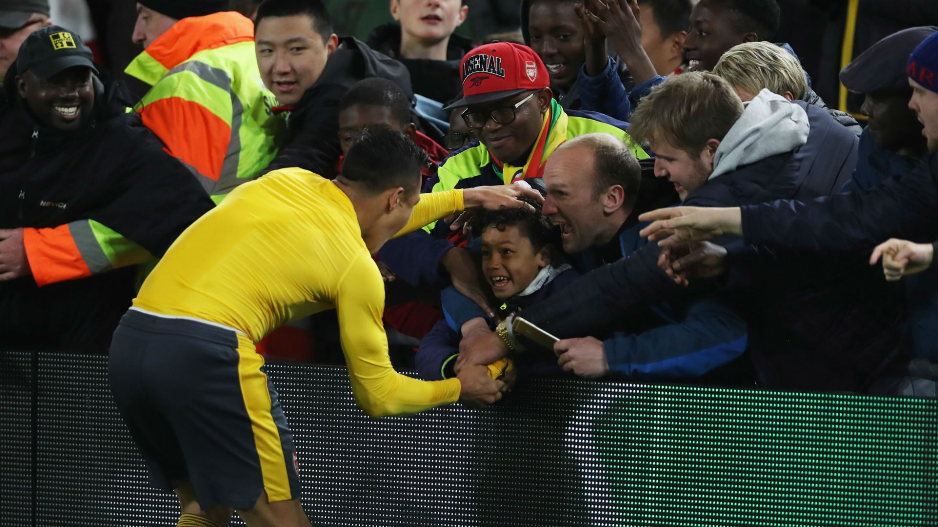 Wenger vows never to sell Alexis Sanchez to Premier League rival