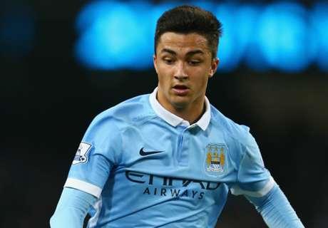 Midfielder extends City contract