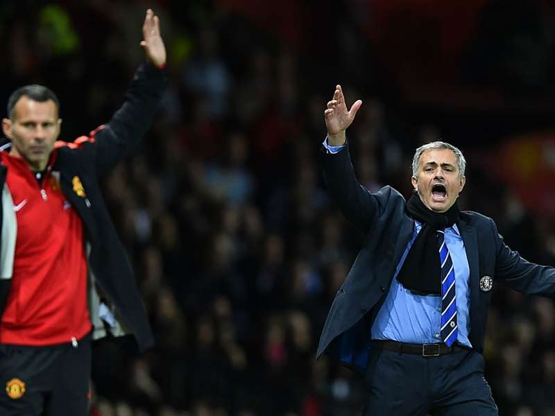 Vidic: Man Utd has hard choice between Giggs and Mourinho