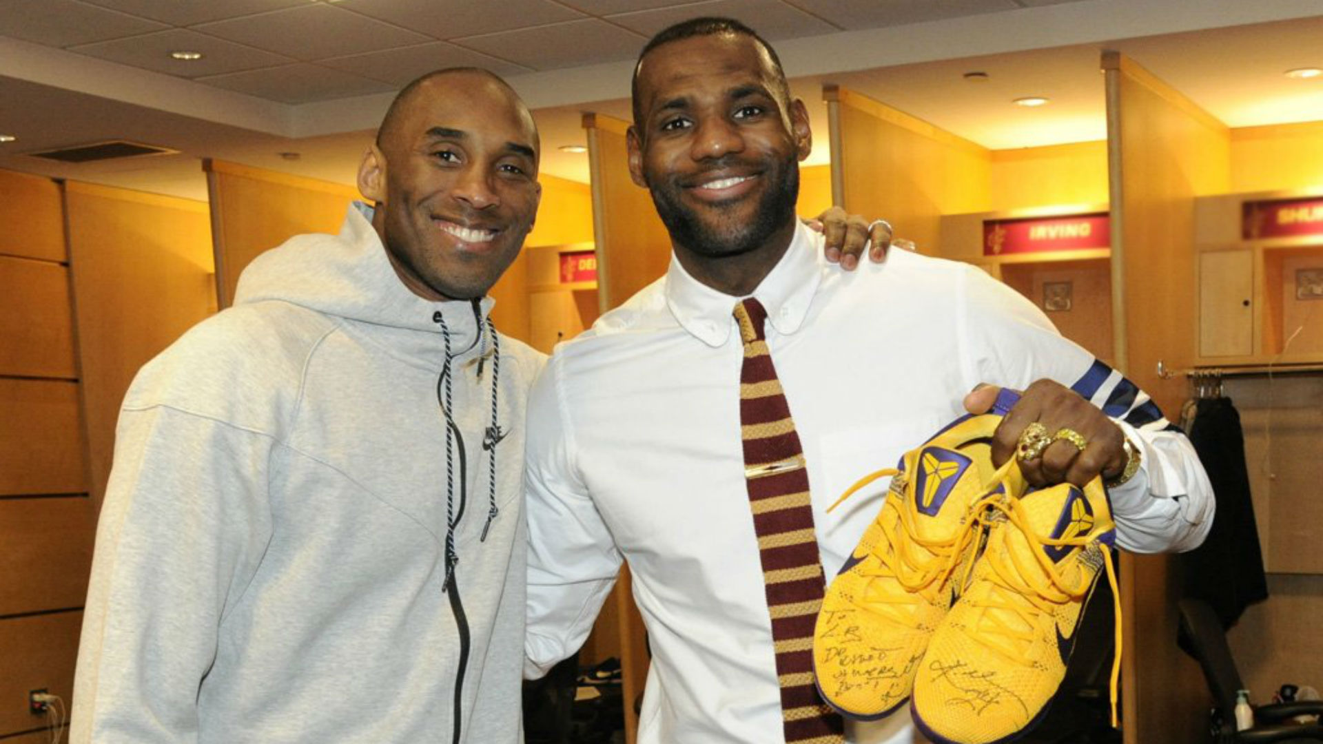 Kobe Bryant gives LeBron James his sneakers after game, just like in high  school | NBA | Sporting News