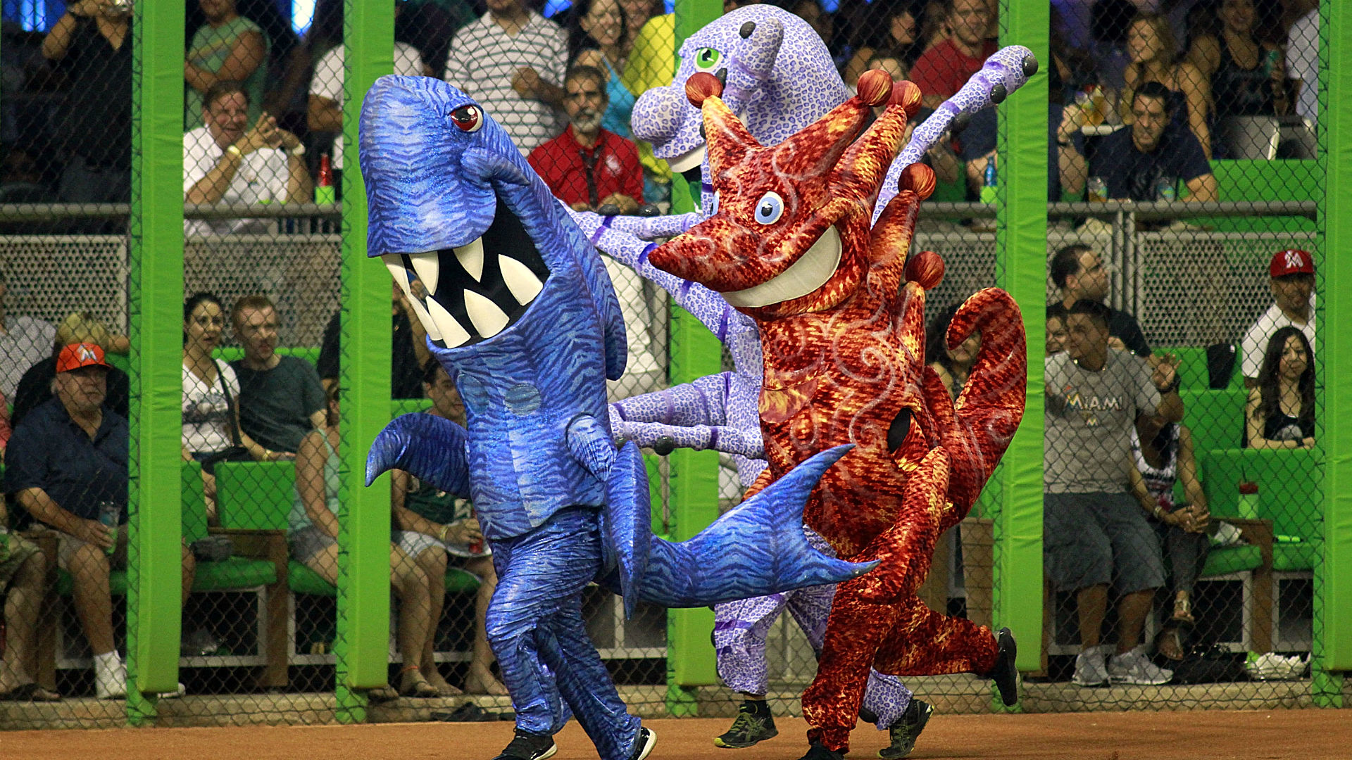 Marlins Great Sea Race mascots