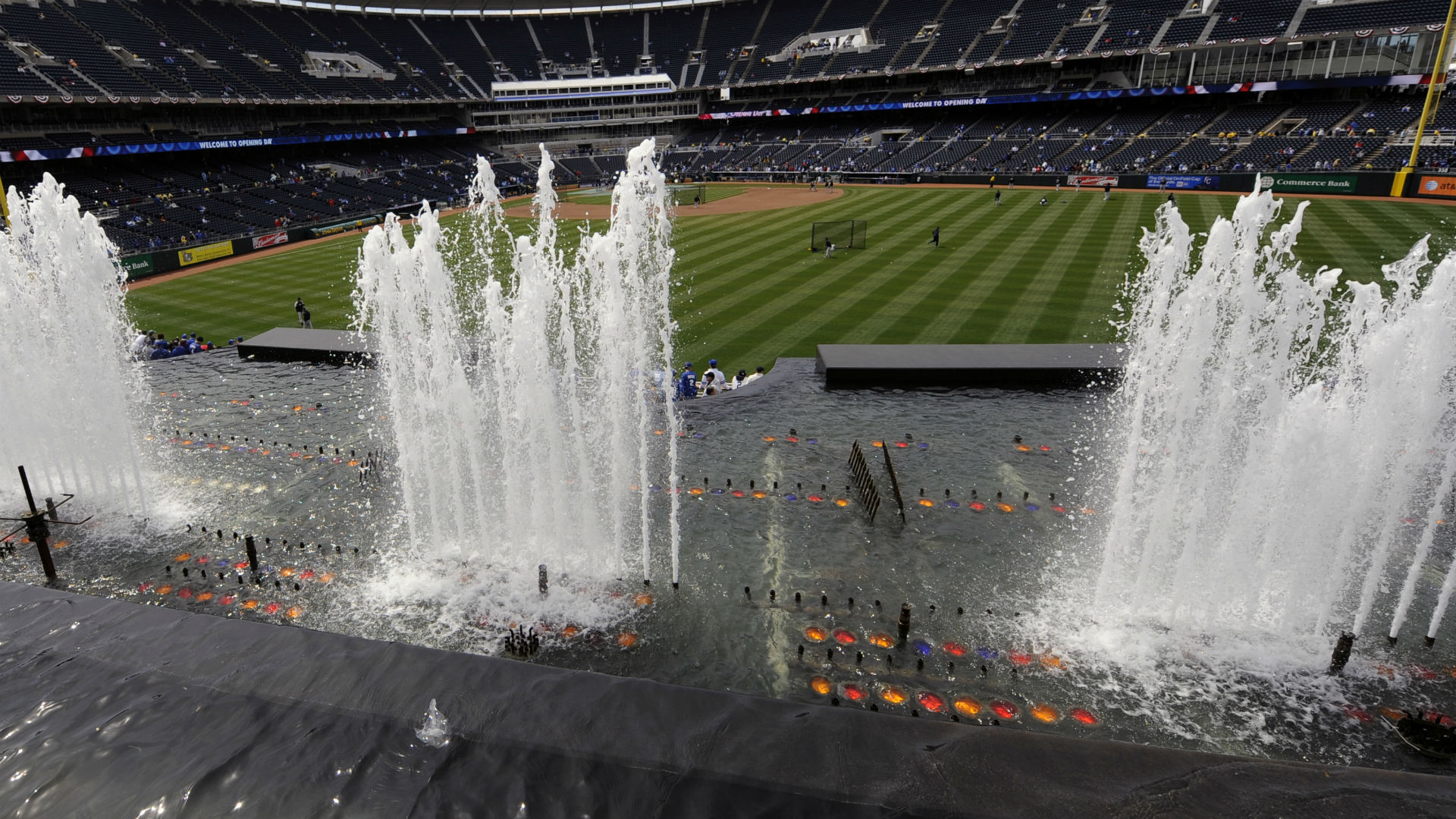 Clevinger, 4 Indians relievers combine to one-hit Royals