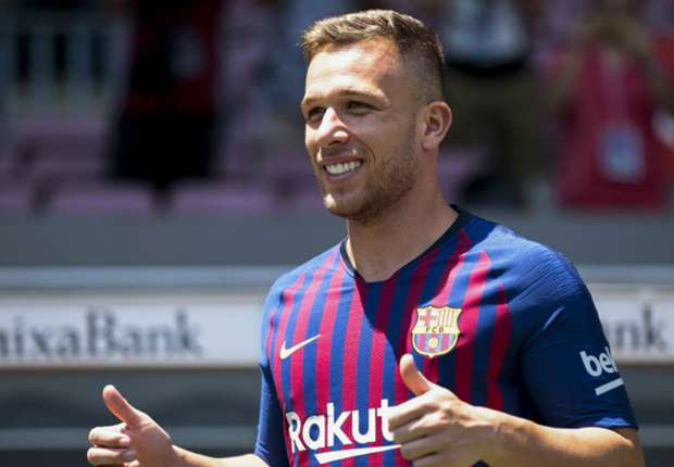 Arthur inspired by Barcelona greats Iniesta and Xavi