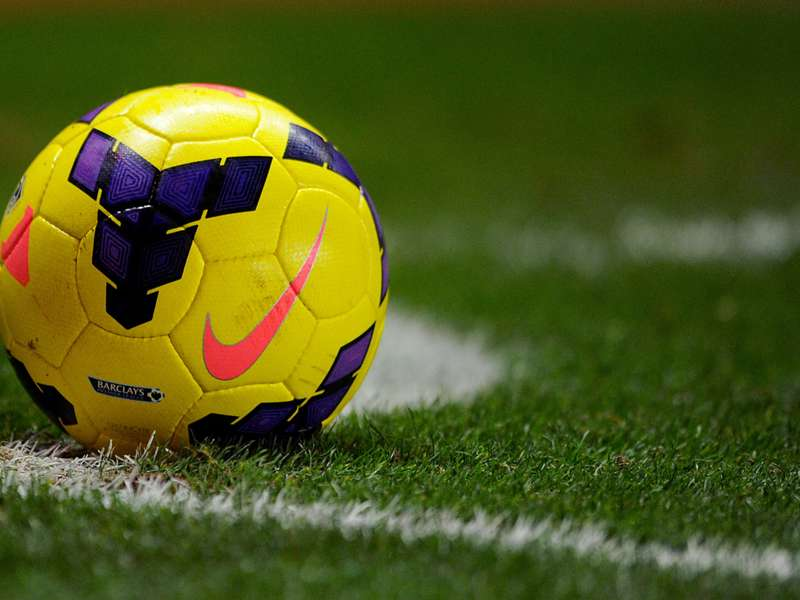 لماذا كرة القدم