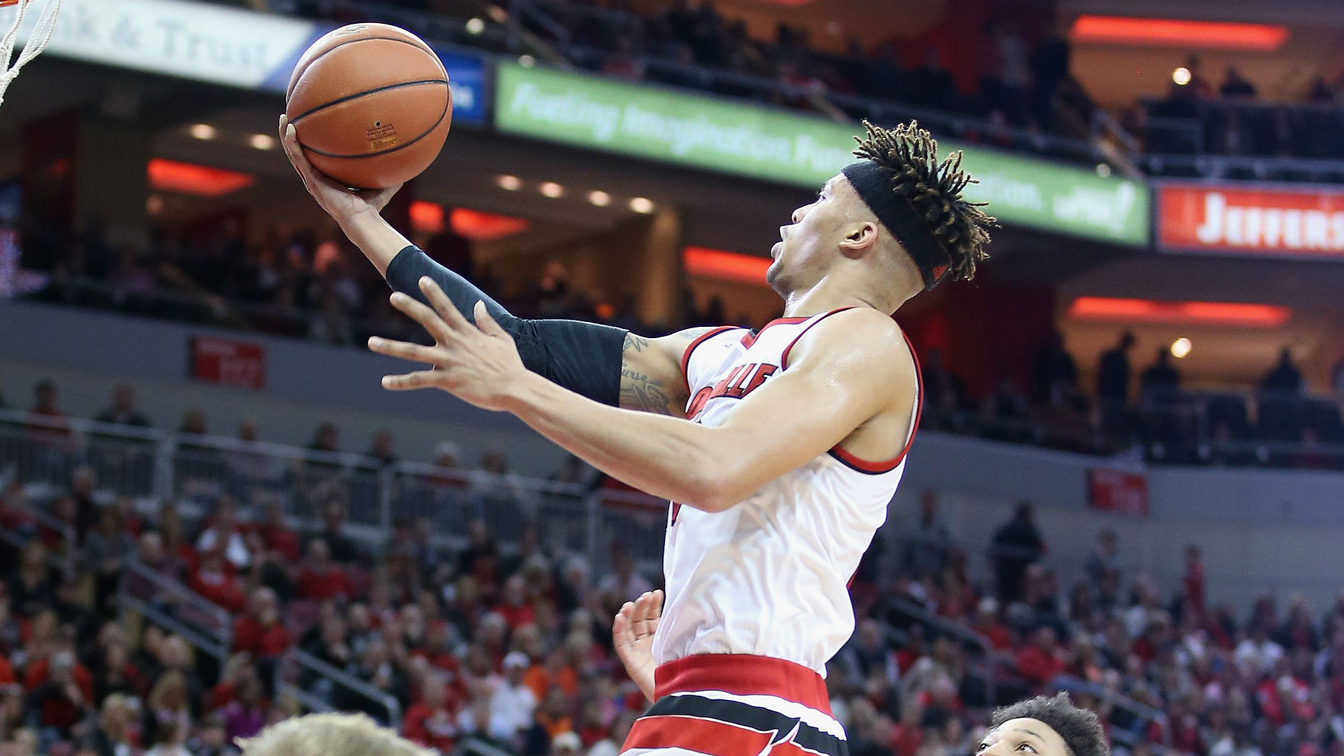 Golden State signs Stephen Curry's brother-in-law Damion Lee