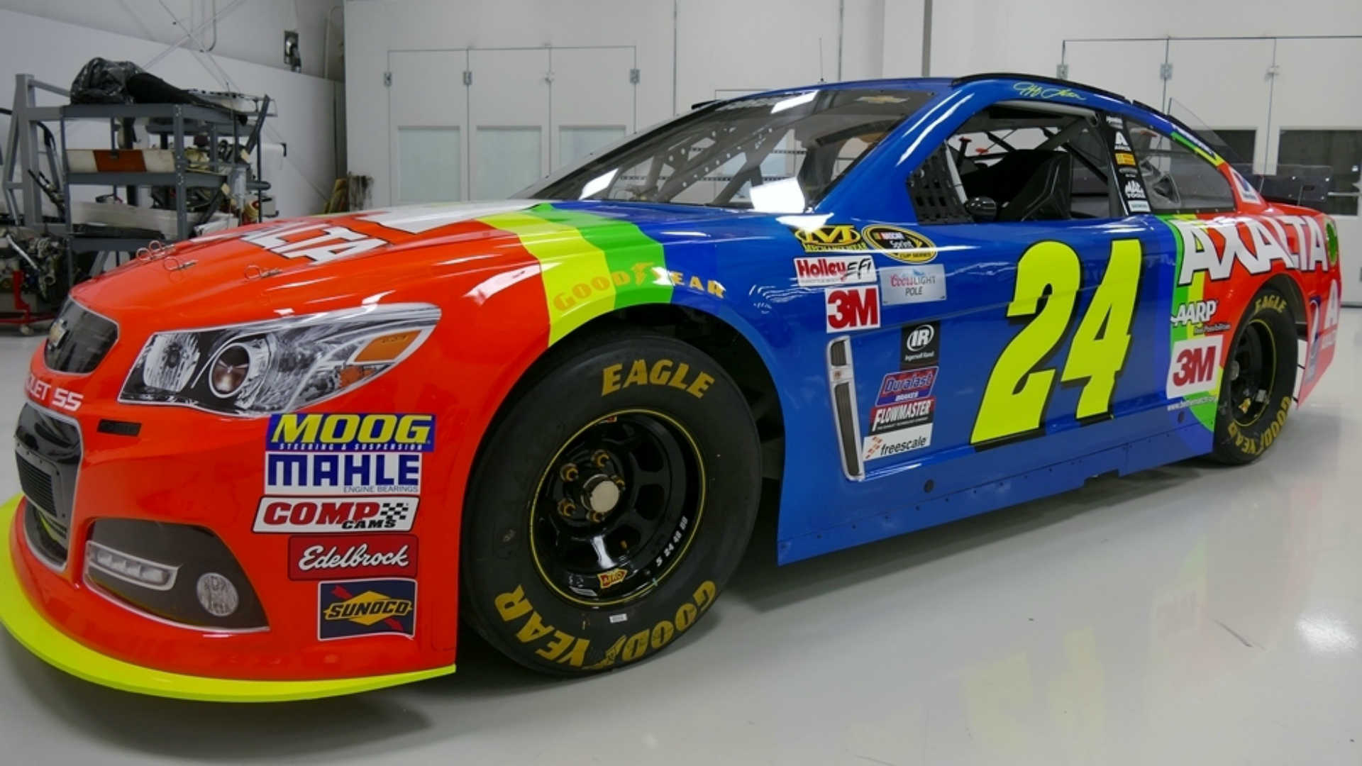 Jeff Gordon will bring back 'rainbow' paint scheme at Bristol