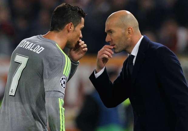 Captains in real life - part 2 Zidane-cropped_1apz3l5ewhq2l157fpn4fgytab