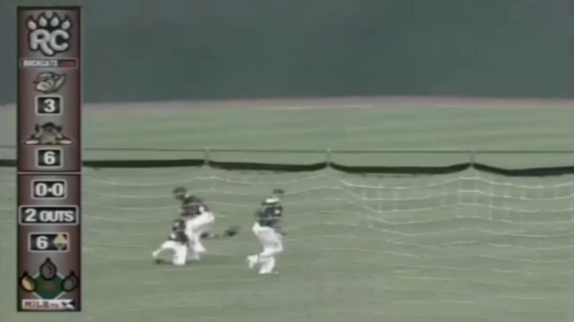 Rockies prospect David Dahl lacerates spleen in outfield collision