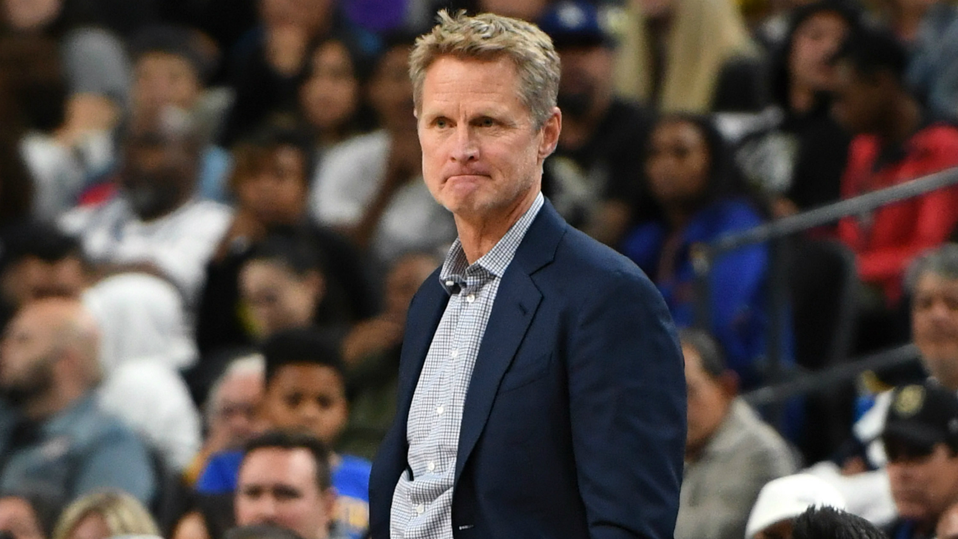 Steve Kerr supports Colin Kaepernick: 'I think he deserves a chance to play'