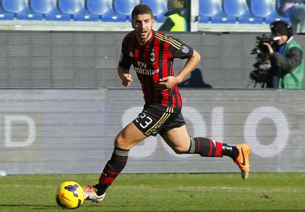 AC Milan will sign Taarabt - agent