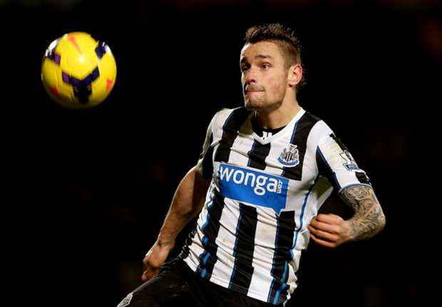 Pardew: Debuchy not looking to leave Newcastle