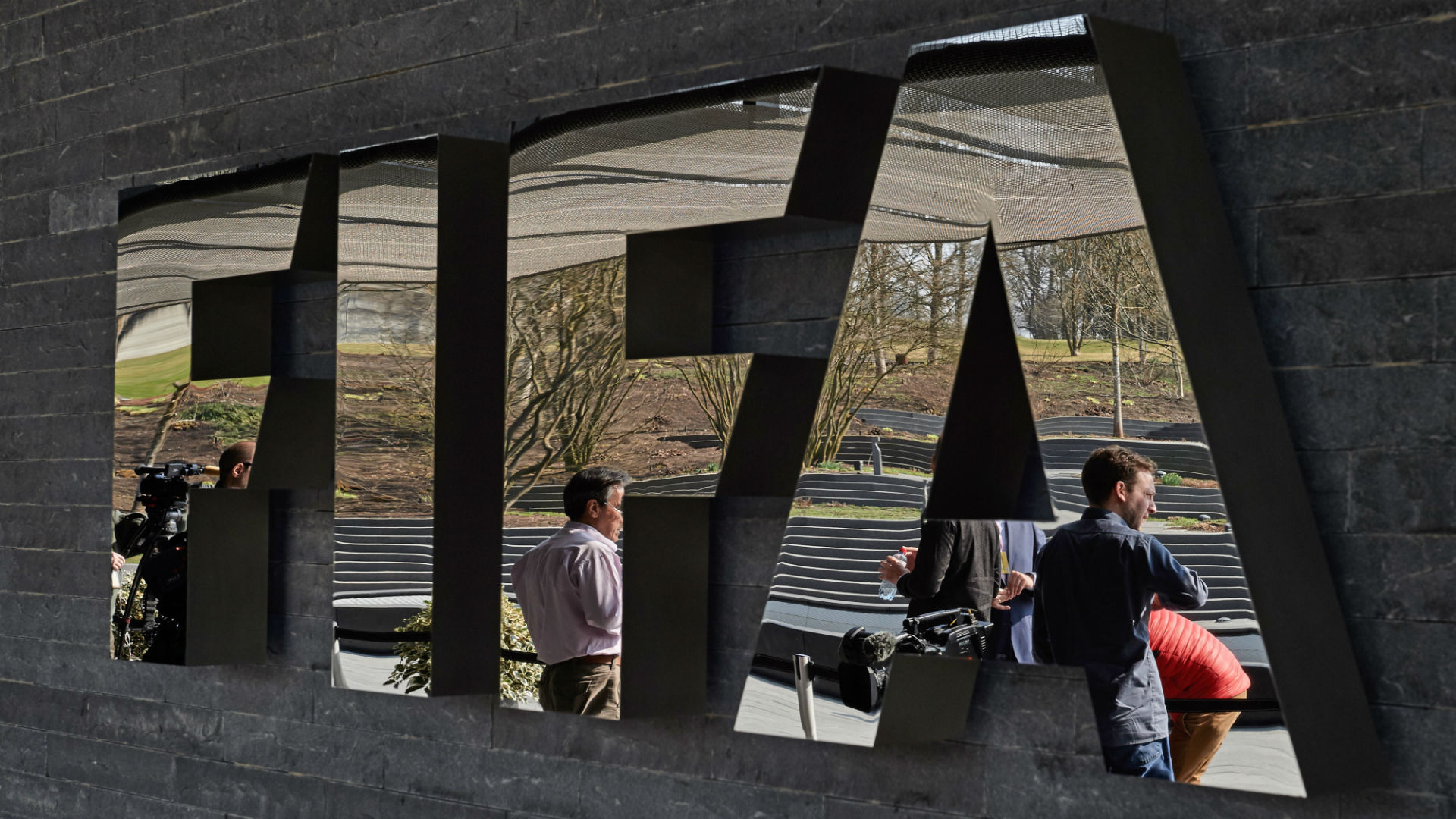 Top FIFA officials arrested in connection with U.S. corruption probe