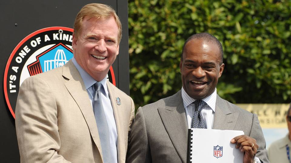 Roger Goodell (left) and DeMaurice Smith (right)