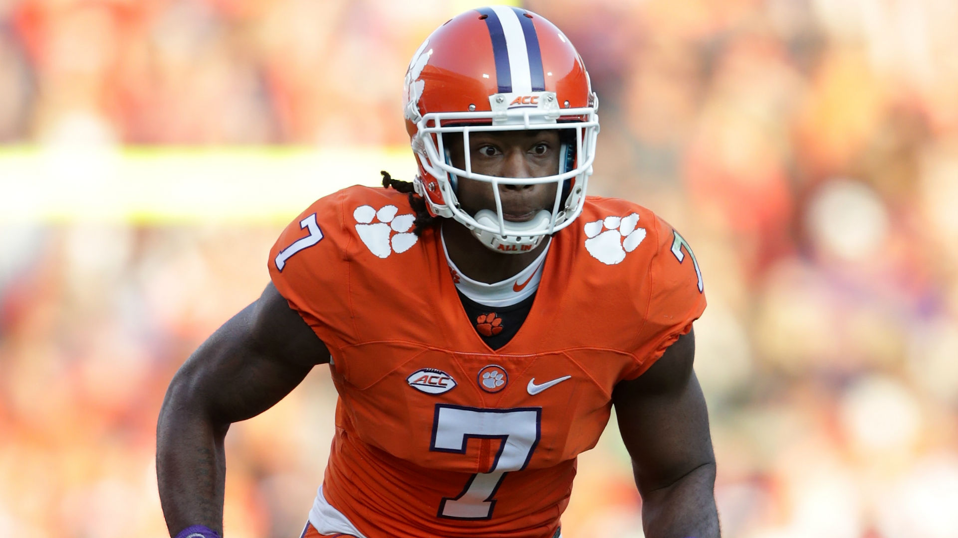 Mike Williams decries 'false information' he'll need season-ending back surgery