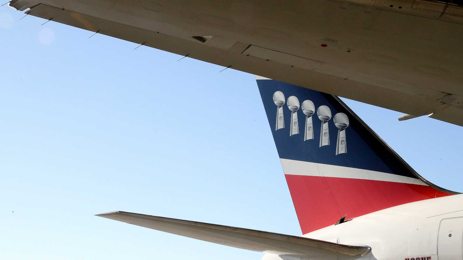 Patriots-team-airplane_18tvbc3s5fhsa1v44n1owgj3n1