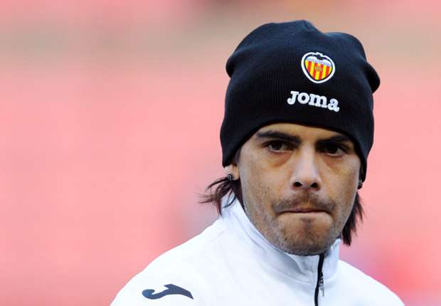 Sevilla agrees to Banega fee