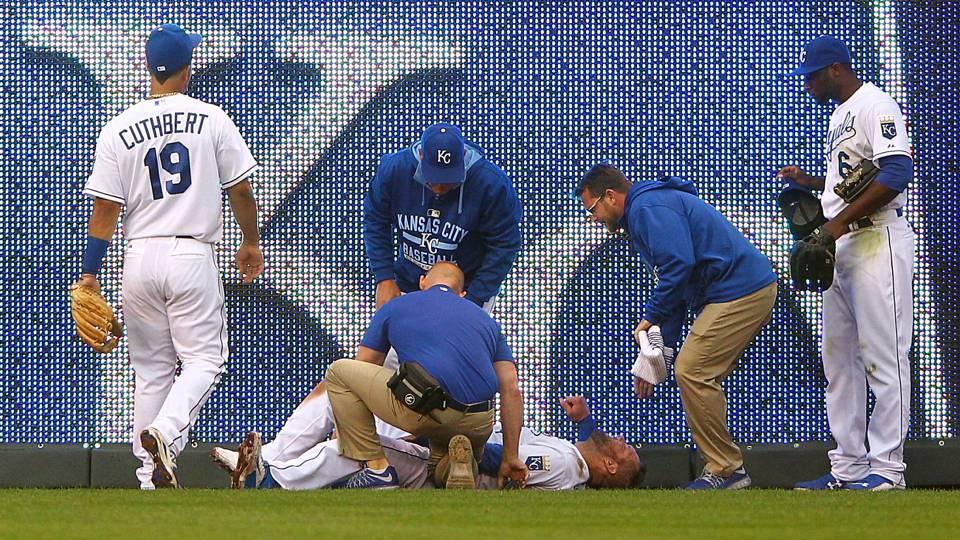 Alex Gordon lays still after injuring groin
