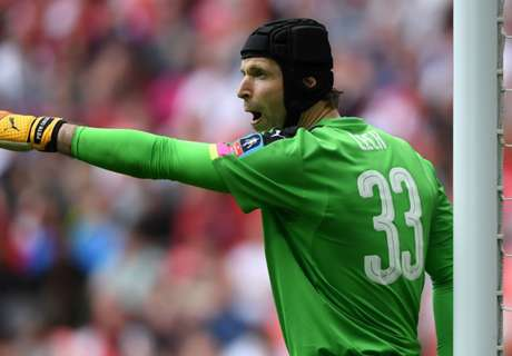 Cech poised for 'special final'