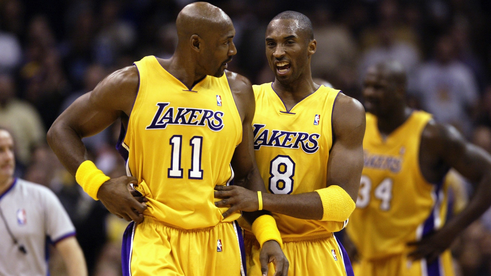 Karl Malone has a  standing offer  for Kobe Bryant to  knuckle up ... 727fe8ebf73e