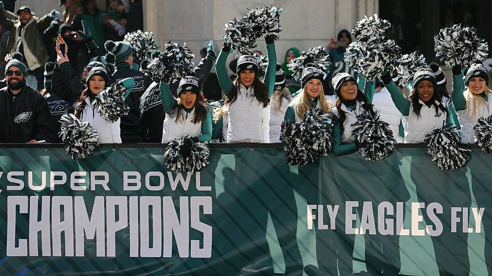 Philadelphia Eagles Super Bowl Rings Have 219 Diamonds 17 Green Shires