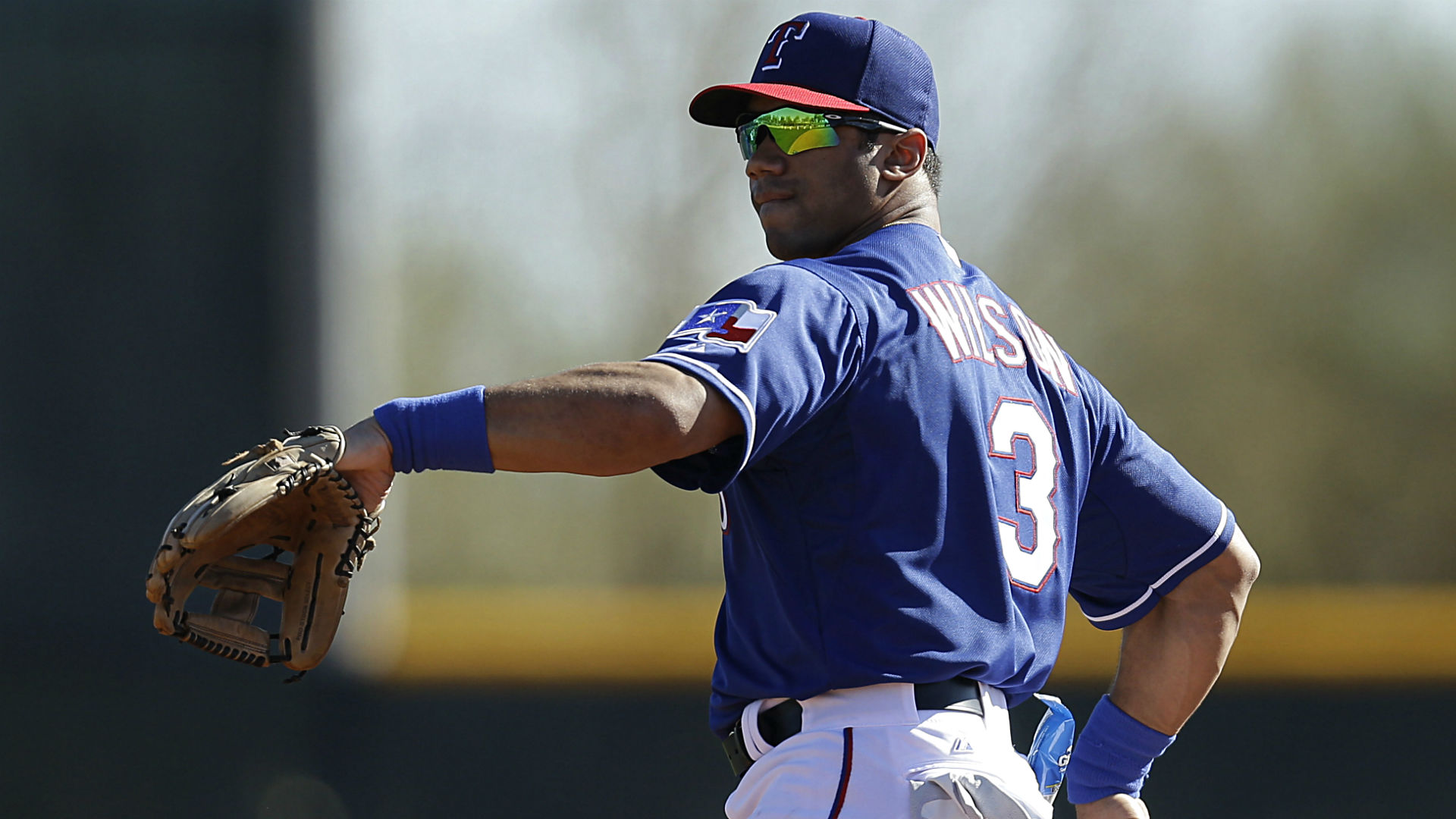 Russell Wilson: 'The Rangers want me to play baseball'