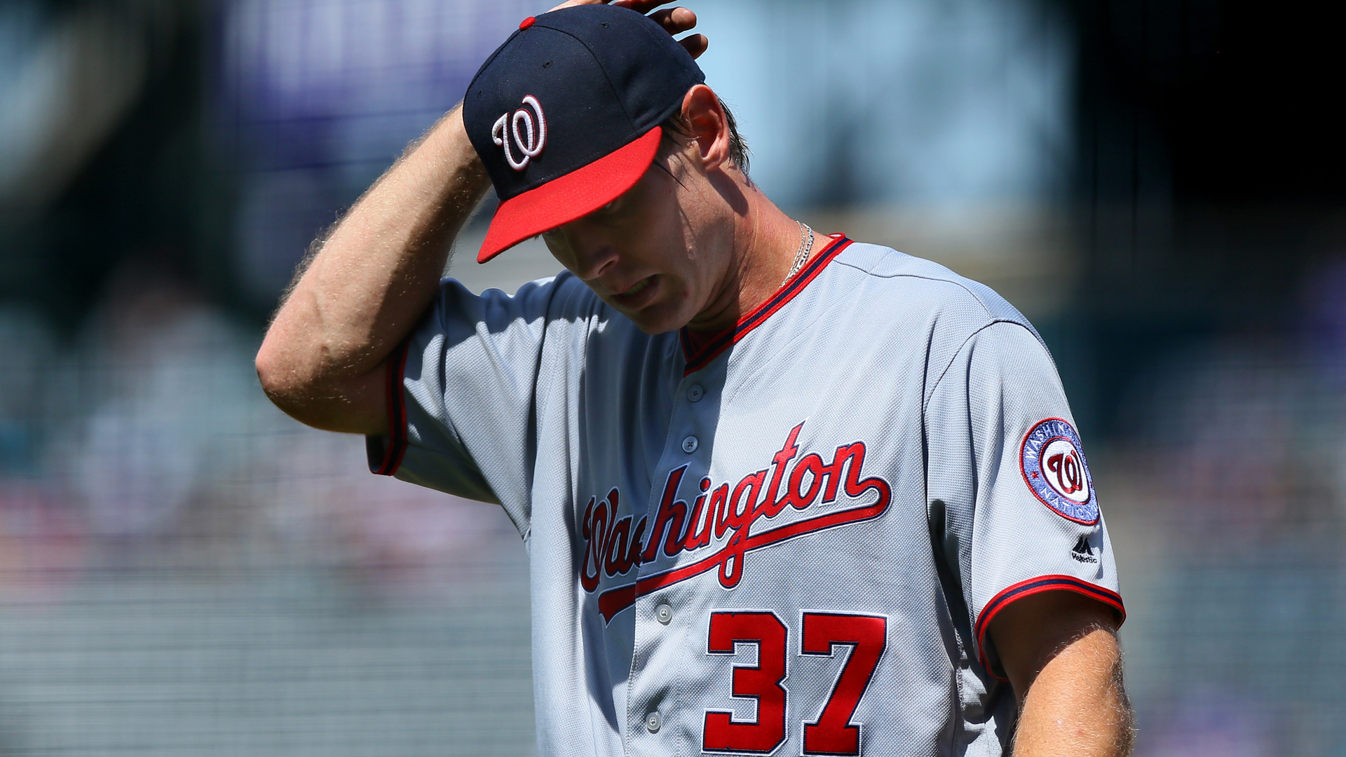 Stephen Strasburg has to leave game