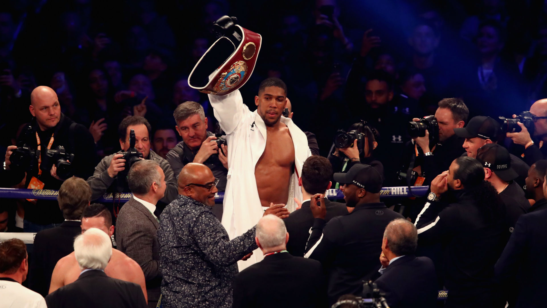 Hearn predicts Joshua will beat Parker inside six rounds