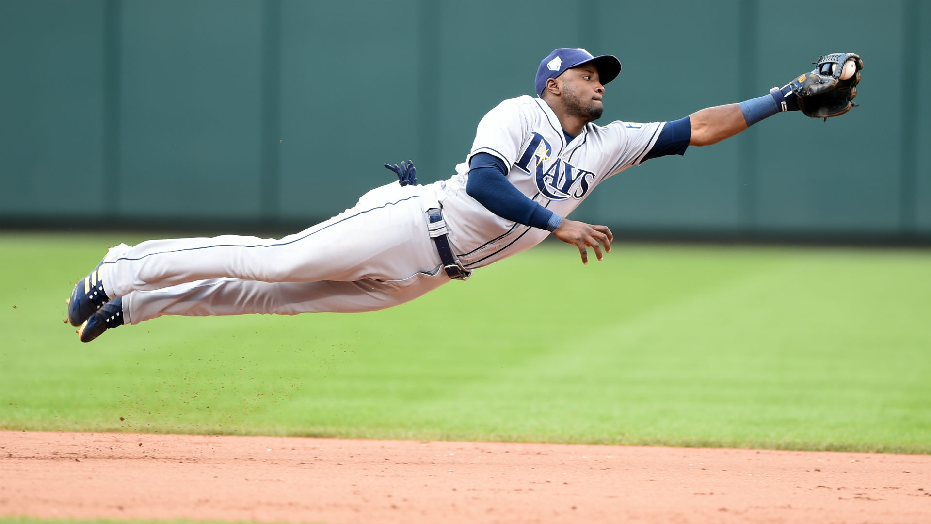 MLB trade rumors: Pirates complete another deal with Rays, add SS Adeiny Hechavarria