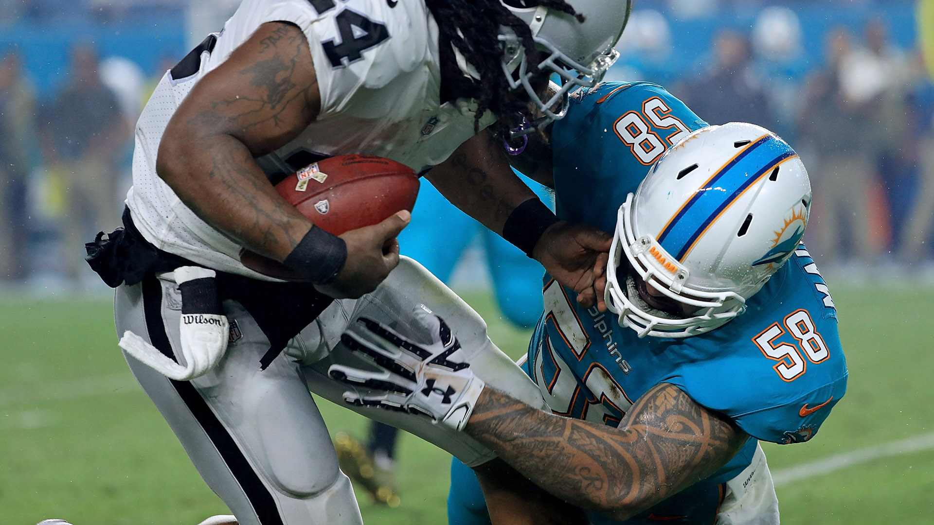 Dolphins release LB Rey Maualuga after overnight arrest in Miami