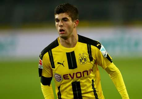 Pulisic signs new Dortmund deal