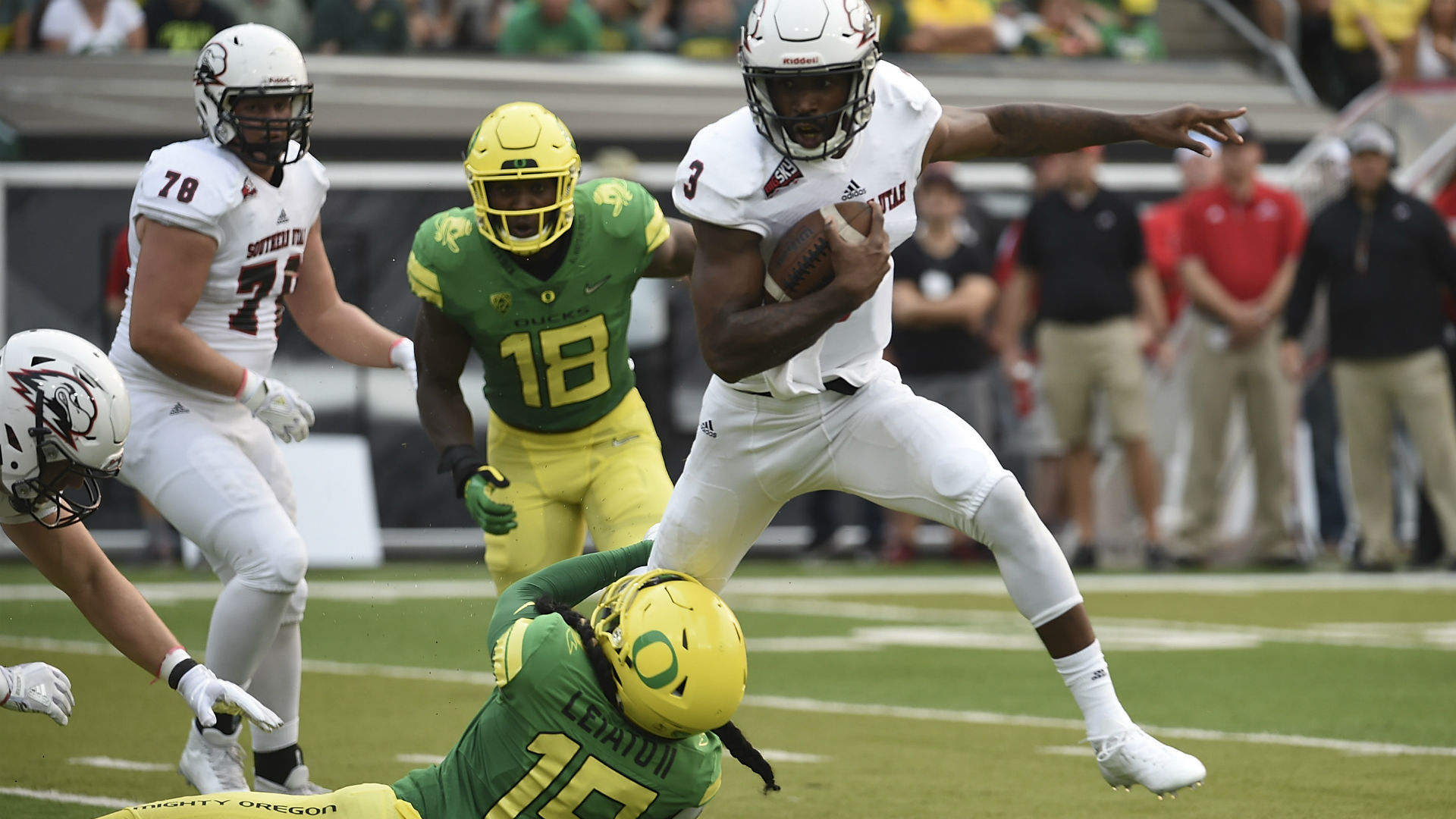 Former Oregon player Leiato killed in car crash