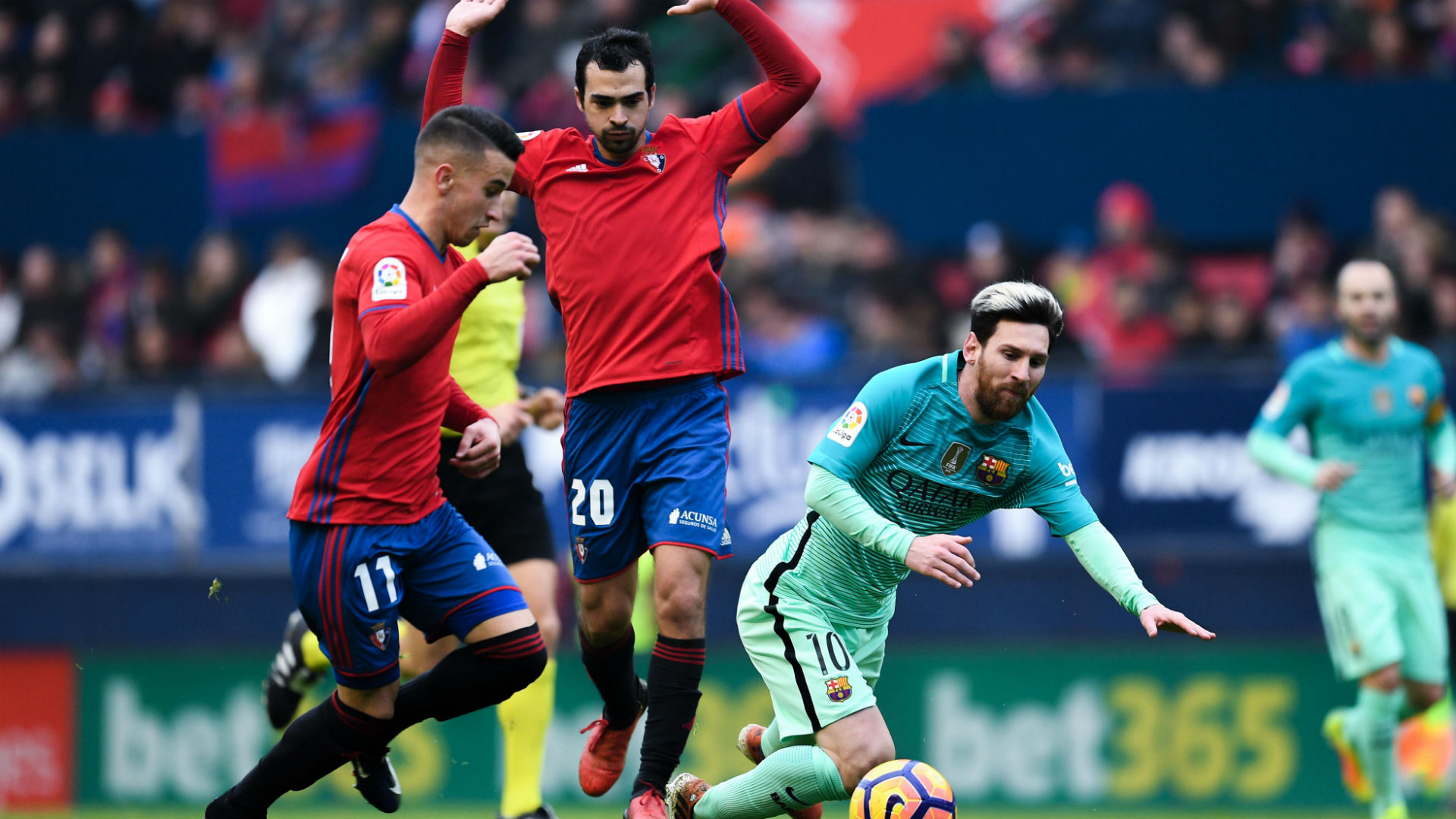 Real Madrid, Barcelona Stay Neck and Neck After Big Wins