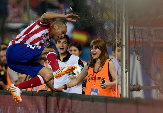 Atletico Madrid 2-0 Elche: Miranda & Costa strike late to send Simeone's side six points clear