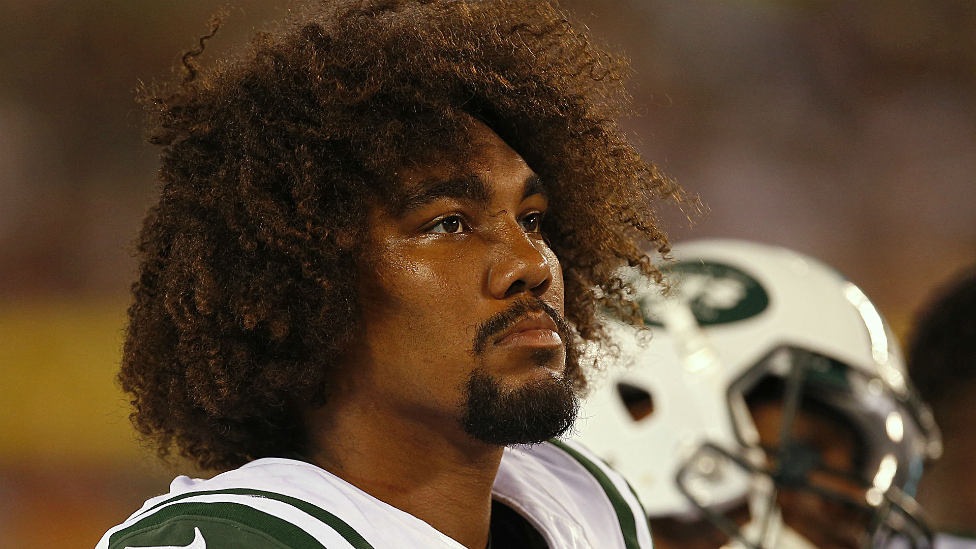 Video shows Leonard Williams breaking up dispute
