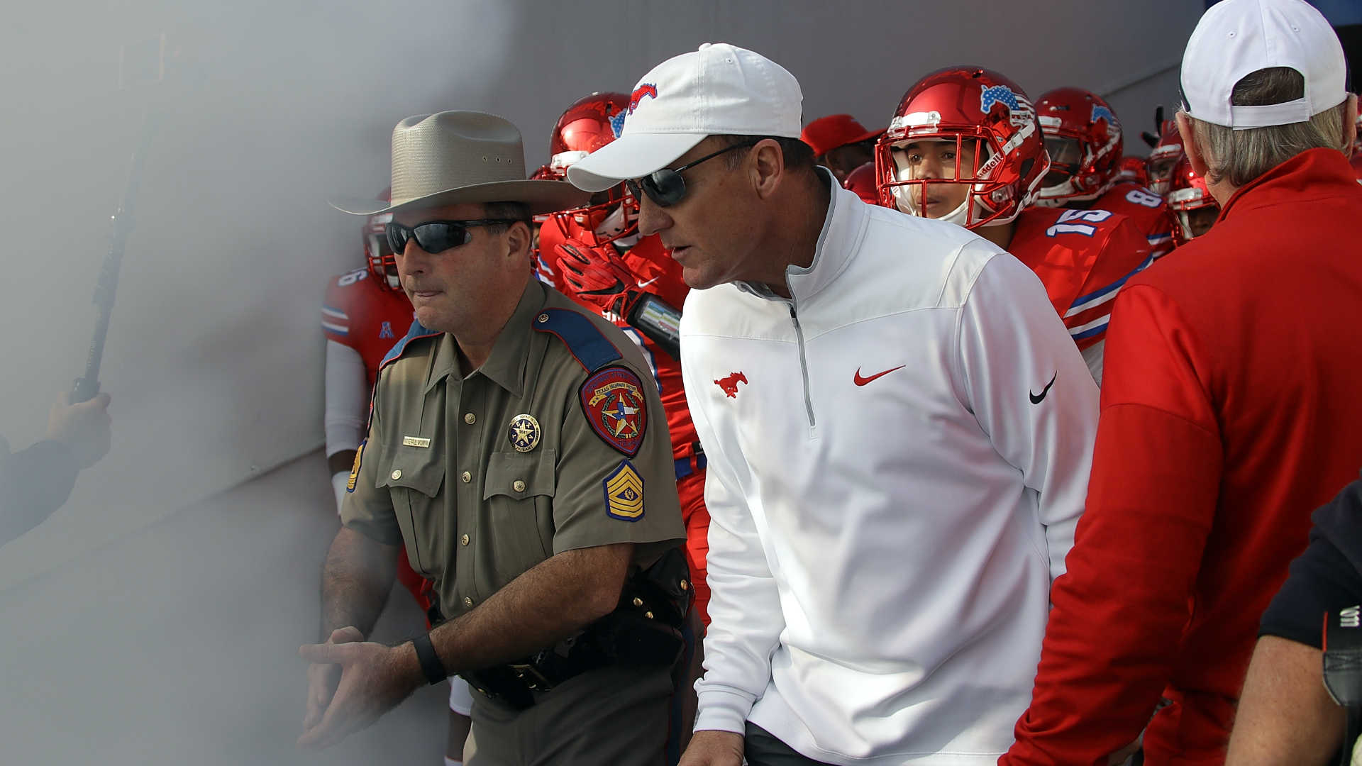 Arkansas hiring SMU's Chad Morris as head coach, report says