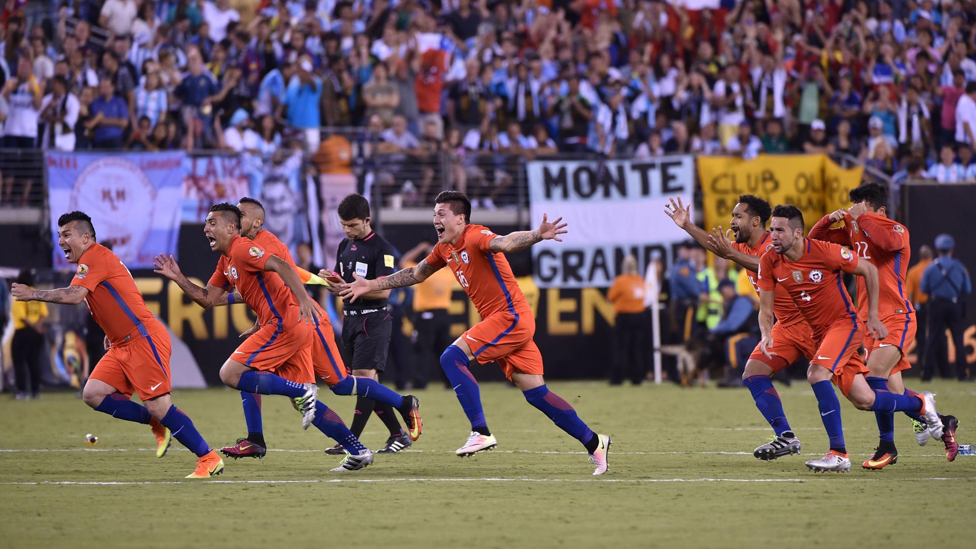 شیلی قهرمان کوپا امریکا 2016 شد ، مسی در یک فینال ملی دیگر ناکام ماند //شیلی 0 - 0 ارژانتین (برد 4 -2 شیلی در ضربات پنالتی )