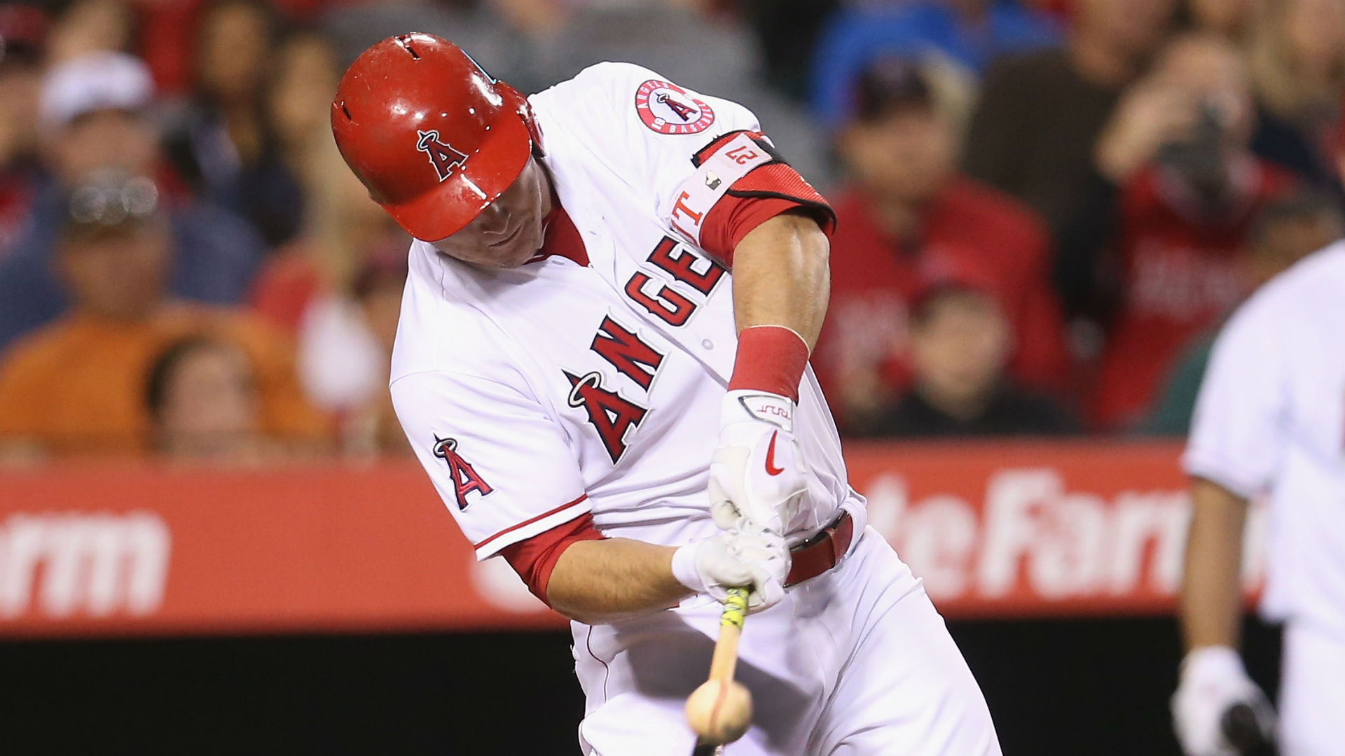 Angels star Trout has torn thumb ligament, surgery possible