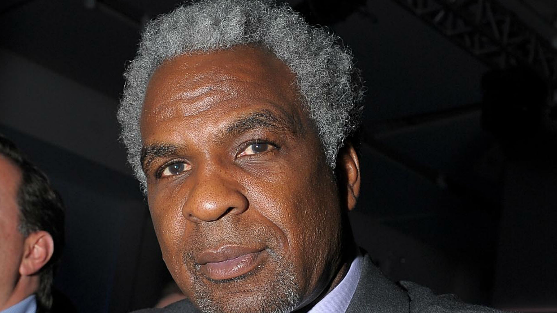 Charles Oakley Denied Access To Cavs Locker Room Showers